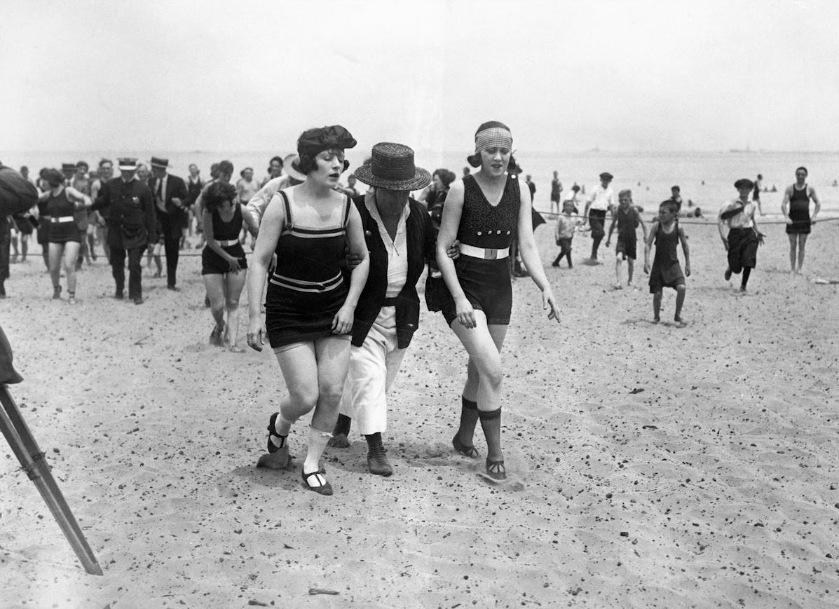 Swimwear Civil War -- Chicago 1920s