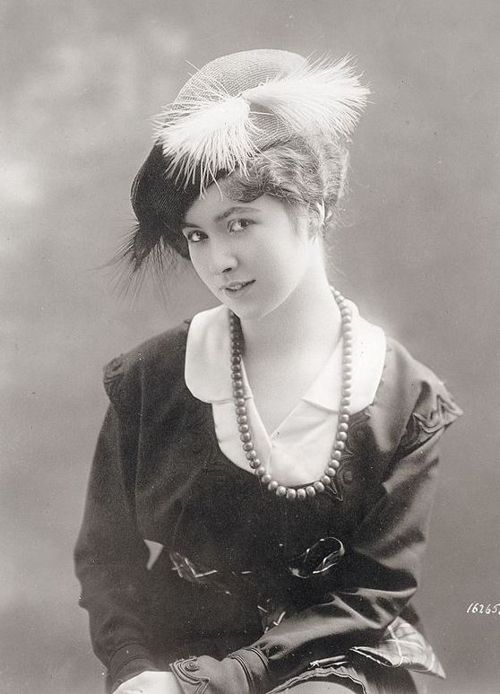 Woman's Feathered Hat circa 1913