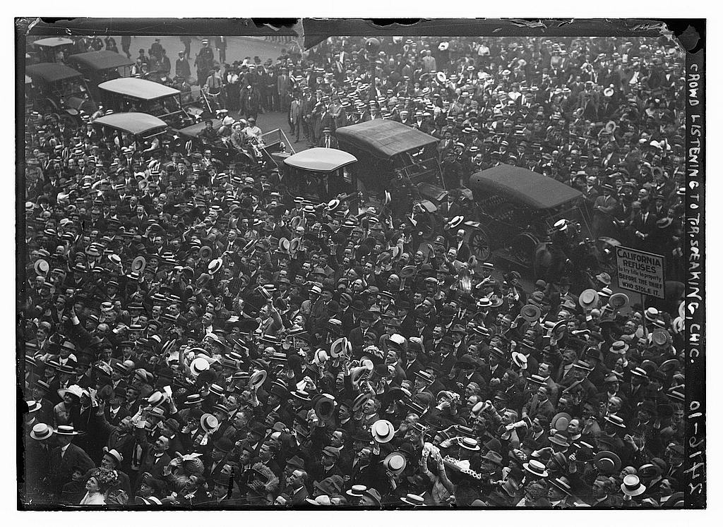 A crowd listening to Roosevelt speak in Chicago, 1912. Courtesy of the Library of Congress.