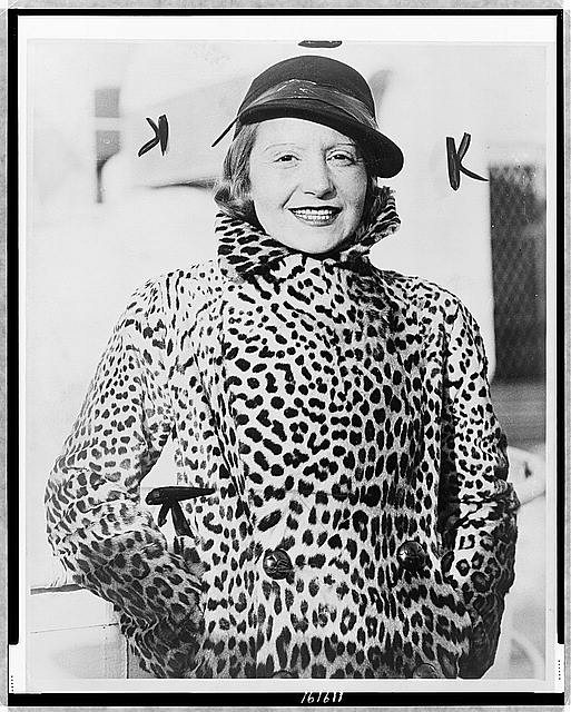 Elisabeth Bergner, photograph, 1935, Library of Congress Prints and Photographs Division
