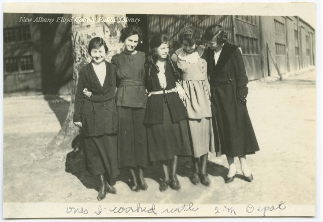 """Female employees of the Jeffersonville Quartermaster Depot, New Albany, Ind."" photograph, circa 1918, New Albany - Floyd County Public Library, accessed Indiana Memory, https://digital.library.in.gov/Record/PPO_NAFCHistoricArchive-46C194E1-0380-4F2D-9A10-268786332926"