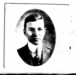 William Scholl, passport photograph, 1915, accessed AncestryLibrary
